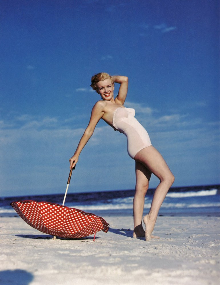 Marilyn_Monroe_1949_Beach_Photoshoot_006