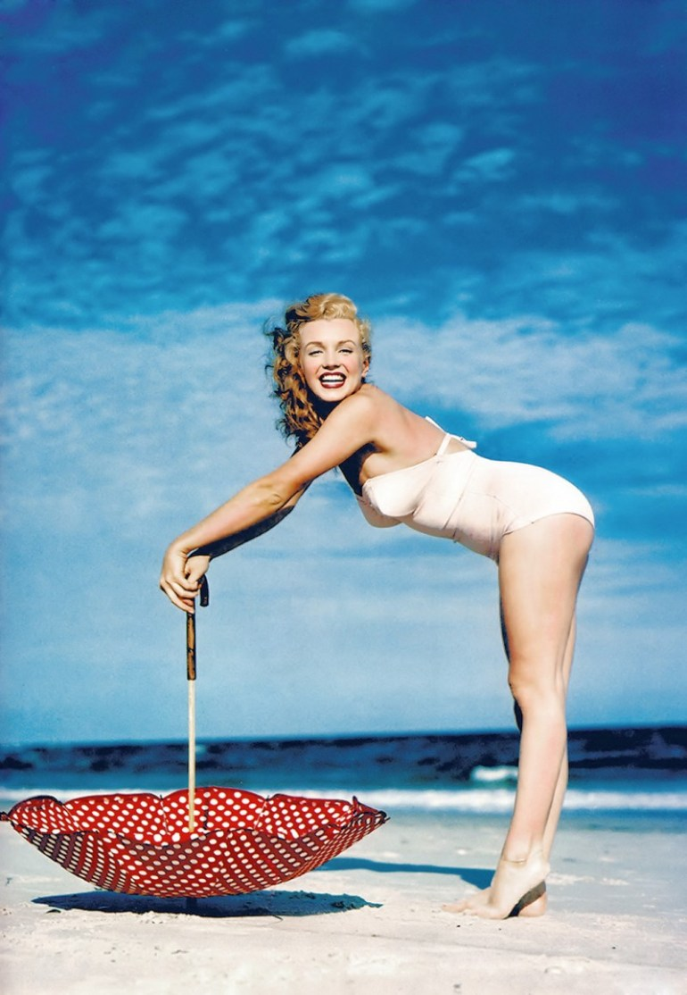 Marilyn_Monroe_1949_Beach_Photoshoot_012