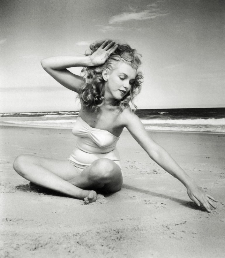Marilyn_Monroe_1949_Beach_Photoshoot_018