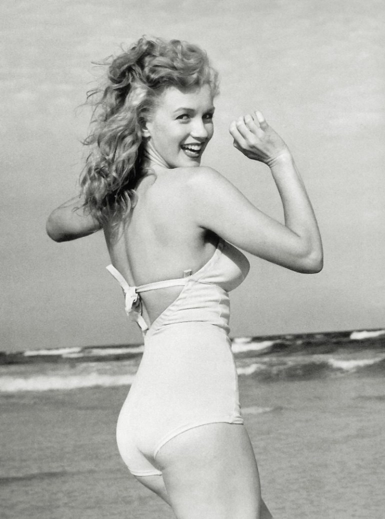 Marilyn_Monroe_1949_Beach_Photoshoot_023